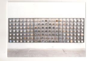 panneau  boites à mémoire . 2000